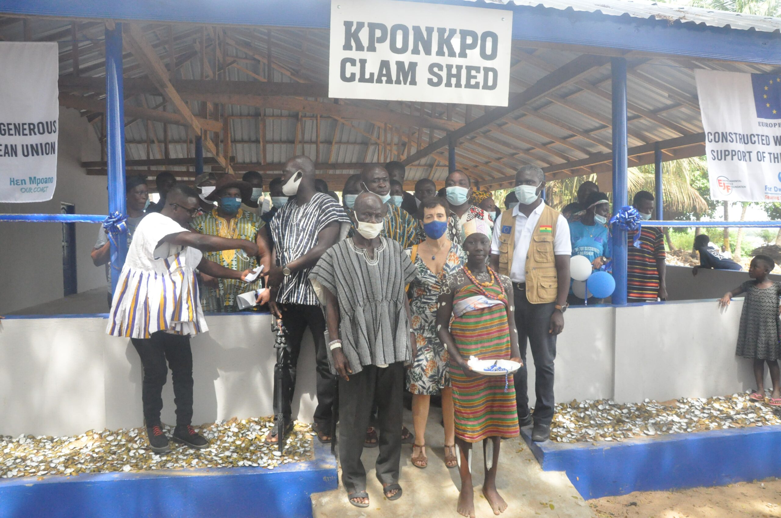 Handing over off Kponkpo Shed to clam user associations